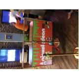 gráfica de banner de lona com ilhós Cidade Ademar